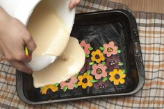 Fondant Cupcakes, Plastic Cutting Board, Cheesecake, Food And Drink, Rolls, Cooking Recipes, Birthday Cake, Diy Crafts, Sweet
