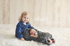 #newborn #babyphotography #minnesota #bellasaluti #siblingphotos
