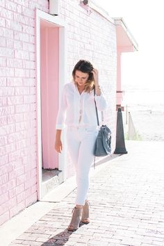 White on White Pink Out, Life Is Short, All White, White Jeans, Summer Outfits, Spring Summer, How To Wear, Clothes, Beauty