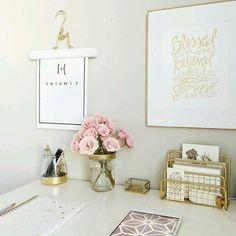 #13 #BarrTAB #Office #TableTop #OfficeTableStyling #OfficeStyling #OfficeInspiration #HomeOffice #BeInspired #BrainHub