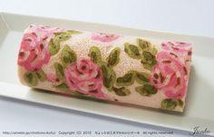 Pretty flower roll cake