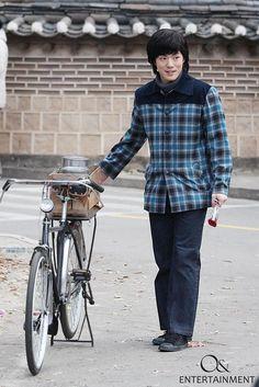 Jung Hyun, Kim Jung, Button Down Shirt, Men Casual, Mens Tops, Shirts, Fashion, Moda, Dress Shirt