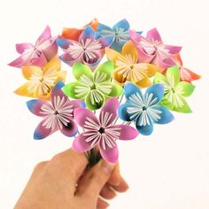 Cool Arts and Crafts Ideas for Teens, Kids and Even Adults | Cheap, Fun and Easy DIY Projects, Awesome Craft Tutorials for Teenagers | School, Home, Room Decor and Awesome Gift Ideas | 3 D Flowers | http://diyprojectsforteens.com/arts-and-crafts-ideas-for-teens