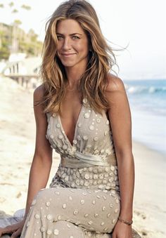 The Golden Age of Motion Pictures — midnightcelebs: Jennifer Anniston Jennifer Aniston Haar, Estilo Jennifer Aniston, Jeniffer Aniston, Jennifer Aniston Pictures, Jennifer Aniston Hairstyles, Jennifer Aniston Wedding Dress, Jennifer Aniston Makeup, Jennifer Aniston Friends, Celebs