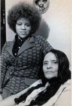 Former Supreme Florence Ballard with her mother in Detroit during A new biography has been published on her life. Black Celebrities, Beautiful Celebrities, Celebs, Music Icon, Soul Music, Indie Music, Music Songs, Black Music Artists, Diana Ross Supremes