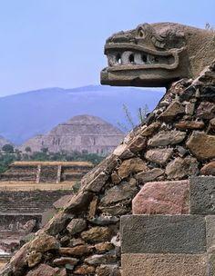 Teotihuacan ,México Quetzalcoat serpiente emplumada.