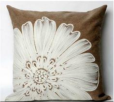 White Daisy Flower Pillow........Love this!