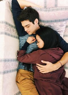 Lara Jean and Peter kavinsky. to all the boys I've loved before. this was the wallpaper Lara Jean had on her phone :') lana condor noah centineo Lara Jean, Cute Couples Goals, Couple Goals, Cute Relationships, Relationship Goals, Image Couple, Peter K, Jean Peters, Fangirl