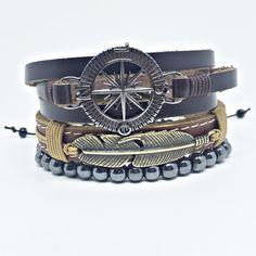 78d767efce9 Kit 3 pulseiras masculinas sendo  - 1 pulseira de couro marrom com  entremeio pena em
