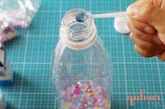 【暮らし】病気で動けない子どもも楽しめる、手作りおもちゃ「キラキラボトル」 - 家電 Watch Water Bottle, Drinks, Water Bottles, Drink, Beverage, Drinking