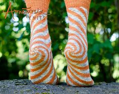 Ravelry: Oaks Park Socks pattern by Anne Berk Worked in intarsia in the round and adjustable to your foot numbers. Crochet Socks, Knitting Socks, Hand Knitting, Knit Crochet, Knit Socks, Fun Socks, Knitted Slippers, Knitting Machine, Vintage Knitting