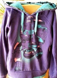 Kup mój przedmiot na #vintedpl http://www.vinted.pl/damska-odziez/bluzy/13045294-bluza-komiks-cropp-fiolet-turkus