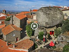 Foi conquistada aos Mouros por D. Afonso Henriques, em 1165, mas as suas origens remontam ao Paleolítico. Hoje, Monsanto é considerada a Aldeia mais Portuguesa de Portugal!