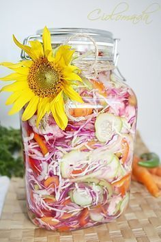 Canning Pickles, Romanian Food, Romanian Recipes, Good Food, Yummy Food, Preserves, Food To Make, Mason Jars, Food And Drink