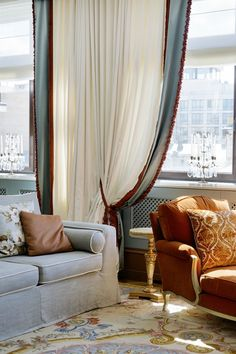 48 Ideas living room desgn formal for 2019 Beautiful Curtains, Cool Curtains, Living Room Sofa, Home Living Room, Interior Design Curtains, Drapery Styles, Traditional Curtains, Custom Drapes, Classic Interior