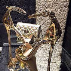 """14.9 mil Me gusta, 43 comentarios - Yo Amo los Zapatos (@yoamoloszapatos) en Instagram: """"Perfectos para una gran fiesta ❤️ #shoes #bag #clutch #heels #highheels #myshoes #fashiongirl…"""""""