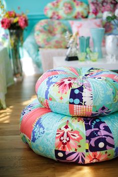 I love amy butler patterns. I have dreams of one day doing these pillows in various vintage patterned velvets.