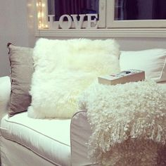 House decor, bedroom ideas, chair, pillows