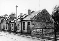 Little Latrobe St cottages, built 1860 Melbourne Victoria, Victoria Australia, Melbourne Suburbs, Australian Continent, Sydney City, World Images, Largest Countries, Australian Homes, Historical Pictures