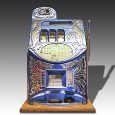 The Mills Extra Bell 'Aitkens Front' is considered by many to be one of the loveliest looking slot machines ever created. A perfect unique addition to your home or games room! Eclectic Games, Vintage Games, Casino Games, Slot Machine, Arcade Games, Jukebox, Game Room, Bobs, Antiques