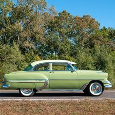 Vintage Trucks Classic 1954 Chevrolet Bel-Air Two-door Sedan. During these years, there were three engine choices, depending on the transmission ordered. Powerglide cars got a version which had hydraulic lifters and full pressure lubrication. Ford Classic Cars, Best Classic Cars, Chevy Classic, Classic Trucks, Chevrolet Bel Air, Chevrolet Camaro, Volkswagen, Mustang Cars, Pontiac Gto