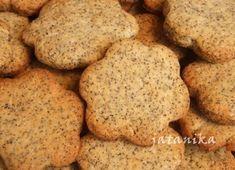Makové koláčiky s citrónovým krémom (fotorecept) - recept Xmas Cookies, Desserts, Food, Food Food, Tailgate Desserts, Deserts, Christmas Biscuits, Essen, Postres