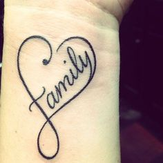 40 Powerful One Word Tattoo Ideas Tatouage de poignet de coeur de famille Love this one ! Pretty Tattoos, Love Tattoos, Beautiful Tattoos, Body Art Tattoos, New Tattoos, Small Tattoos, Thigh Tattoos, Ankle Tattoo, Girl Tattoos