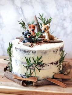 How to make a Woodland Animals Cake. With Chocolate Cake, Cherry Pie filling, an… How to make a Woodland Animals Cake. With Chocolate Cake, Cherry Pie filling, and Frosting recipe included. Animal Birthday Cakes, Birthday Cakes For Teens, Baby Birthday Cakes, Baby Cakes, Cake For Baby, Girls 1st Birthday Cake, Christmas Birthday Cake, Birthday Animals, Birthday Ideas