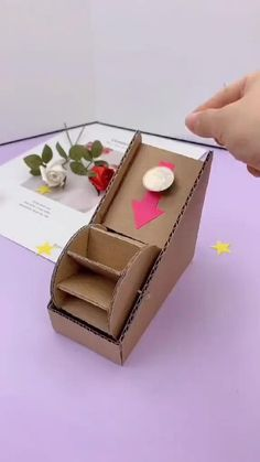 Diy Crafts For Kids Easy, Fun Diy Crafts, Diy Arts And Crafts, Creative Crafts, Paper Crafts Origami, Paper Crafts For Kids, Cardboard Crafts, Craft Activities For Kids, Container