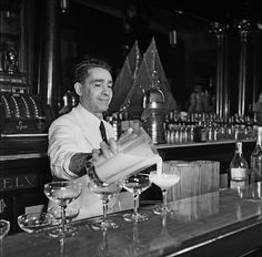Tropical cocktails at a bar in Havana. IMAGE: EARL LEAF/MICHAEL OCHS ARCHIVE/GETTY IMAGES