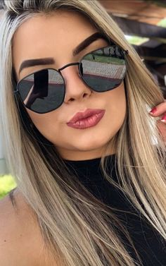 Trending Sunglasses, Black Sunglasses, Mirrored Sunglasses, Sunglasses Women, Selfies, Eyeglasses, Ray Bans, Glow Nails, Lifestyle