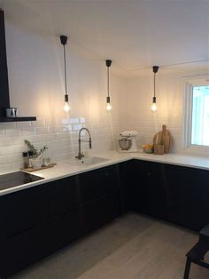 Cheap Home Decor .Cheap Home Decor Galley Kitchen Design, Galley Kitchen Remodel, Farmhouse Kitchen Cabinets, Interior Design Kitchen, Kitchen Decor, Interior Modern, Kitchen Wood, Country Kitchen, Black Kitchens