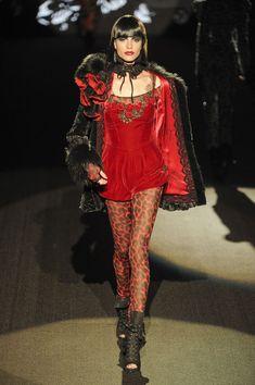 Betsey Johnson at New York Fashion Week Spring 2013 - StyleBistro/color New York Fashion, 90s Fashion, Couture Fashion, Runway Fashion, Dior Couture, Fashion Show, Fashion Looks, Fashion Design, Juicy Couture