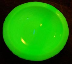 "30.00 McKee ""Laurel"" French Ivory Glass Bowl 11""D 1930's Glows Green!"