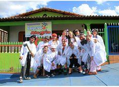 http://www.passosmgonline.com/index.php/2014-01-22-23-07-47/entretenimento/1005-doutores-palhacos-e-o-expresso-da-alegria
