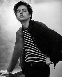 Cole sprouse from cw's 'riverdale' poses in the getty images portrait studio at the 2017 winter television critics association press tour at the. Cole M Sprouse, Sprouse Bros, Cole Sprouse Jughead, Dylan Sprouse, Dylan Y Cole, Riverdale Betty And Jughead, Zack Y Cody, Riverdale Cole Sprouse, Riverdale Cast