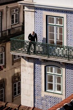 Renovating Art Nouveau Building / Lisboa