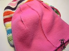 How to line a hat with polar fleece - general directions  . . . .   ღTrish W ~ http://www.pinterest.com/trishw/  . . . .   #crochet #lining