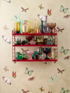 I want this shelf, this wall paper, these vases, these everything!