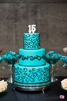 Papo Glamour: Meus 15 Anos - Tema Tiffany & Co.: 14th Birthday Cakes, Elegant Birthday Cakes, Sweet 16 Birthday, Sweet Fifteen, Beautiful Cakes, Amazing Cakes, Sweet 15 Cakes, Quince Cakes, Sweet 16 Decorations