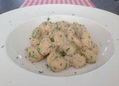 De lekkerste gnocchi met gorgonzola maak je natuurlijk helemaal zelf, daarvoor hoef je de deur echt niet uit. Bekijk hier dit heerlijke gnocchi recept!
