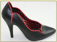 Vintage red and black shoes. http://www.daddyos.com/retro/aclb2.html