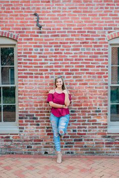 Brianna A. Linganore High School Class of 2019 A gorgeous urban senior portrait session in Downtown Frederick Urban Senior Portraits, Senior Portrait Poses, Senior Girl Poses, Senior Girls, Senior Session, Teenager Photography, Senior Girl Photography, Fashion Photography Poses, Graduation Photography