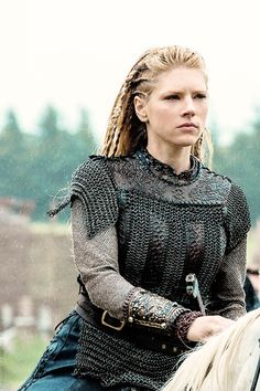 good closeup of leather/mail armour  ---Lagertha Lothbok from Hist. Channel's Vikings