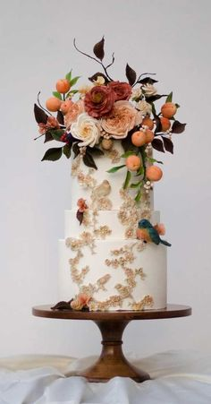 Be inspired by these pretty wedding cakes! We are having a major swoonnsesh over these gorgeous wedding cakes. These latest wedding cakes are the latest instragram wedding cake trend from fabulous artist cake designers. Pretty Wedding Cakes, Black Wedding Cakes, Wedding Sweets, Wedding Cakes With Flowers, Elegant Wedding Cakes, Beautiful Wedding Cakes, Wedding Cake Designs, Wedding Cake Toppers, Bohemian Wedding Cakes