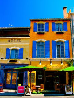 The vivid colors of Provence