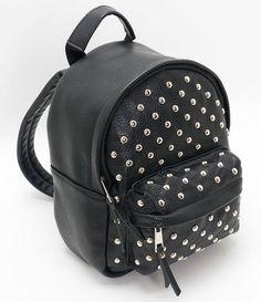 Bolsas Femininas: Transversal, Pequena, Mochilas e mais - Renner Black Handbags, Leather Handbags, Leather Bag, Fashion Bags, Fashion Backpack, Fashion Accessories, Trendy Backpacks, Types Of Handbags, Everyday Bag