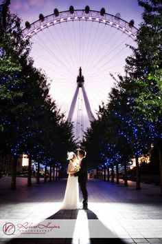 Tracey and Mike's funky central London pre wedding photo shoot! » Portrait and Wedding photographers in Surrey and Kent