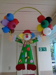 Circus Theme Decorations, Paper Christmas Decorations, Carnival Themes, School Decorations, Party Themes, Christmas Ornaments, Carnival Themed Party, Carnival Birthday Parties, Circus Birthday