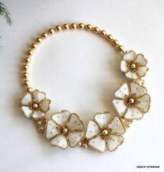 Seed Bead Necklace, Seed Bead Jewelry, Bead Jewellery, Beaded Earrings, Beaded Bracelets, Necklaces, Beaded Jewelry Patterns, Diy Schmuck, Beaded Flowers